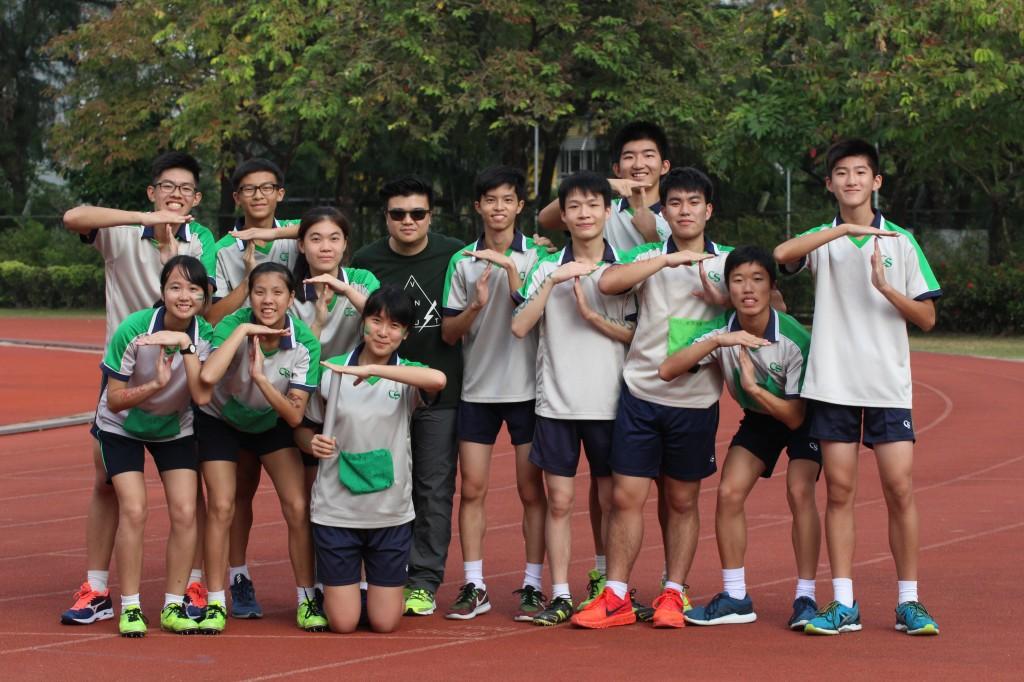 12x200m replay team