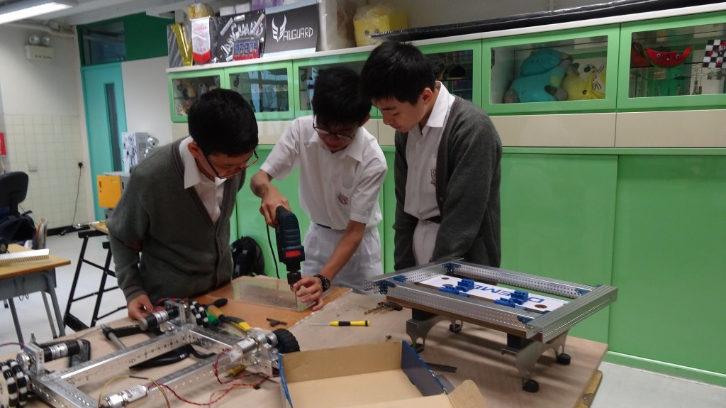 Students building the robot