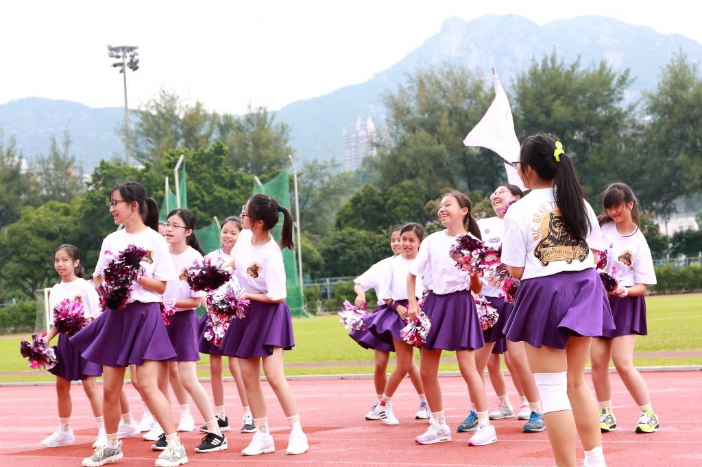 cheering team